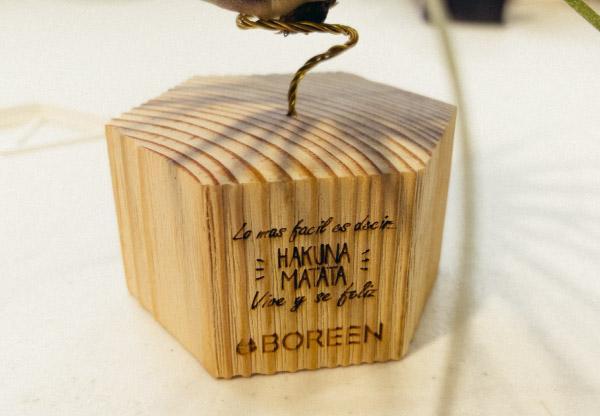 Servicio de grabado personalizado para regalos empresariales, bodas o bautizos